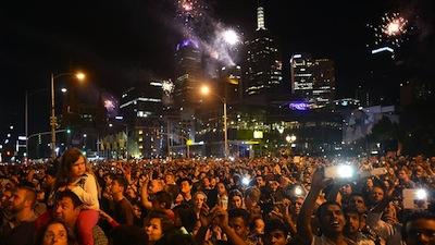 823850-melbourne-fireworks.jpg
